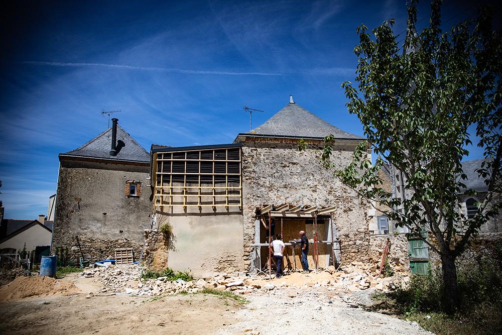 Travaux sur la futur terrasse des Halles de Châtelais